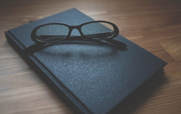glasses-notebook-wooden-business-163142